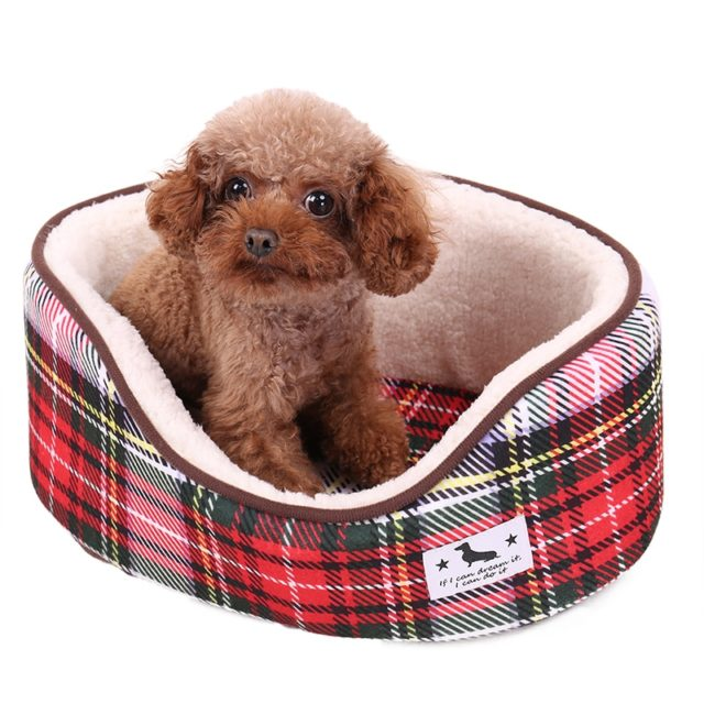 Red Plaid Fleece Pet Bed for Dogs