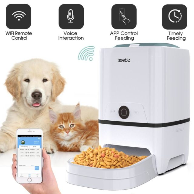 Pet's White Feeder with Remote Control
